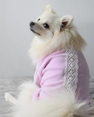 Roupa Blusa Plush Rosa estilo moletom para cachorros – Renda